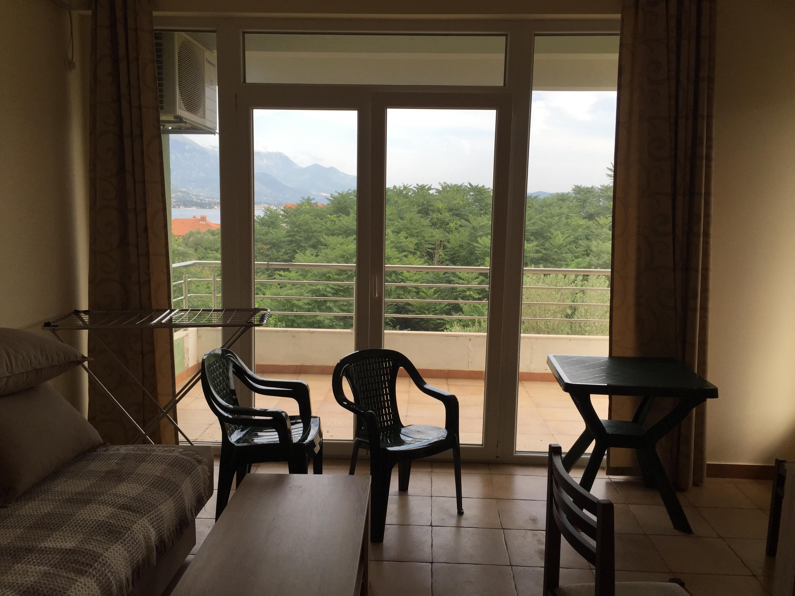 Недвижимости в черногории на первой линии